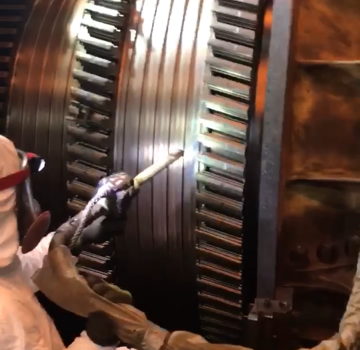 cleaning a turbine using C02