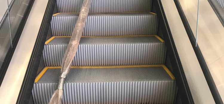 Escalator Cleaning – Dry Ice Blasting