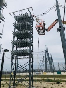 Cleaning insulators, isolators and bushings in a substation in NJ